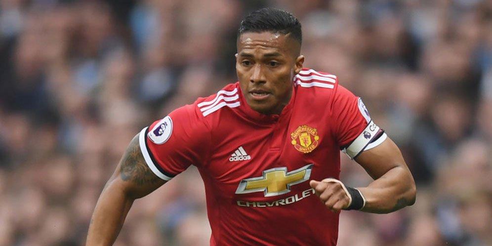 Manchester United Di Pastikan Melepaskan Antonio Valencia